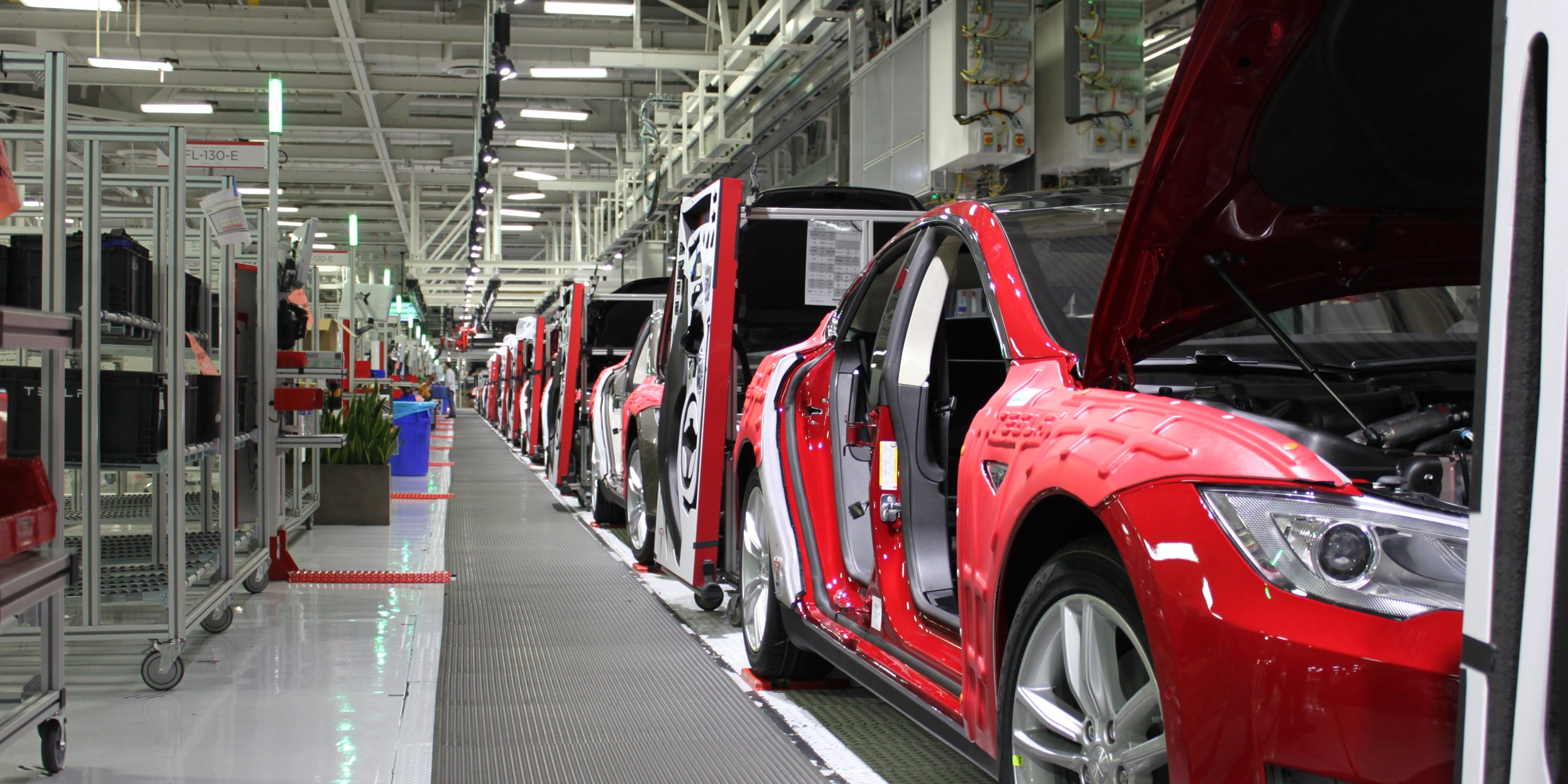tesla-lays-off-3000-workers-to-reduce-cost